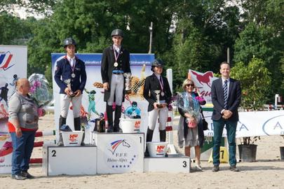 championnat universitaire 2016 podium dressage largeL