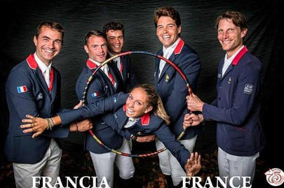 Julia Dallamano et l'équipe de France à Gijon largeL