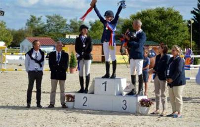Le podium de saut d'obstacles Major Elite largeL